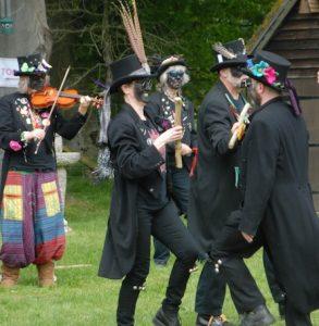 SPIRIMAWGUS DANCERS 2