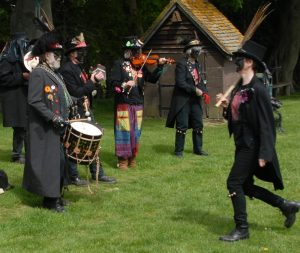 SPIRIMAWGUS DANCERS 4